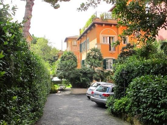 Hotel Aventino: parking