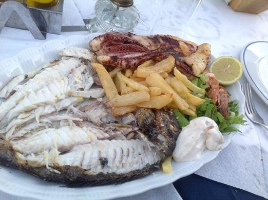 Taverna Anatoli : seafood platter for two