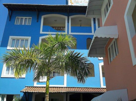 Hotel Areia De Ouro : balcones de dormitorios