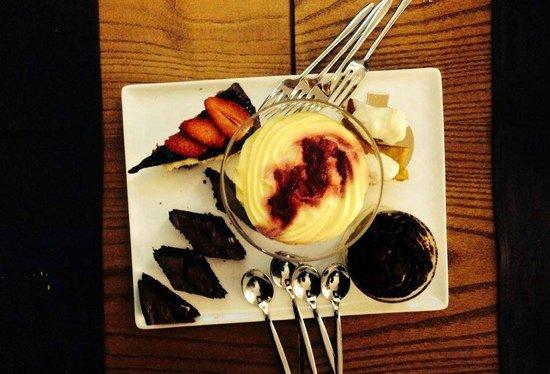 Yacht Style Bar Restaurant : dolci condivisi