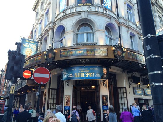 Gielgud Theater: Outside theatre