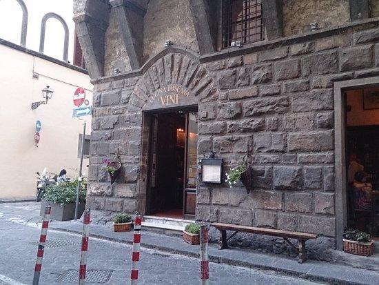 Osteria del Caffè Italiano: お店の入口です