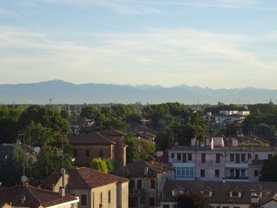 PadovaResidence: The view north to the mountains from Al Corso apartment
