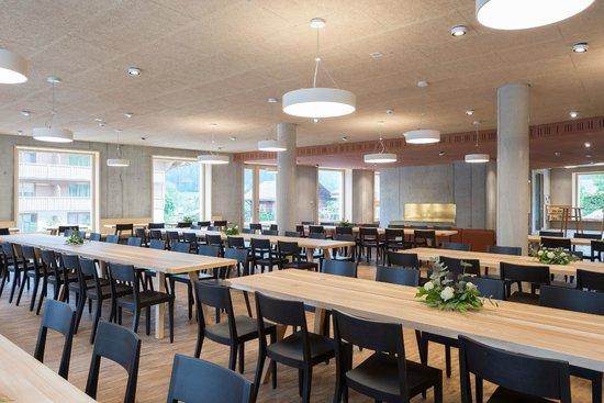 Gstaad Saanenland Youth Hostel: Ess- und Aufenthaltsraum