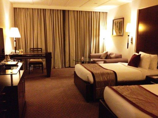 Ramada Plaza JHV Varanasi: Guest room