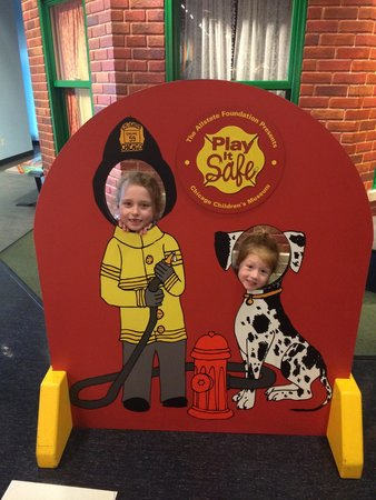 Chicago Children's Museum: Chillin at the firehouse