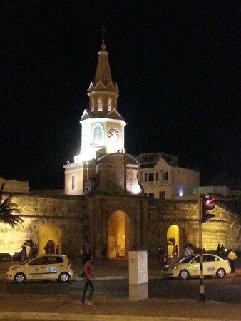 Ciudad amurallada: Torre del reloj