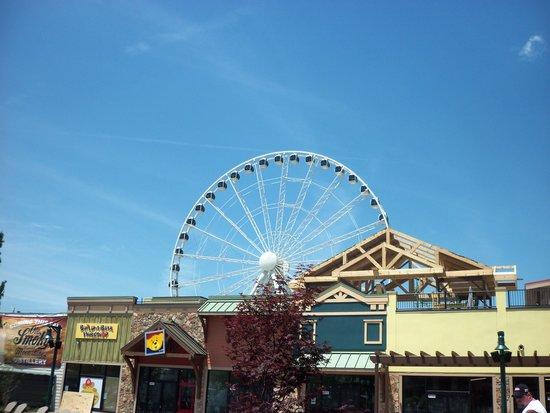 The Great Smoky Mountain Wheel: The Wheel