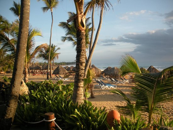 Excellence Punta Cana : Beach view from near far side of resort