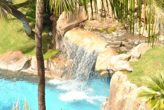 The Westin Maui Resort & Spa: many waterfalls around the pool - view from the room