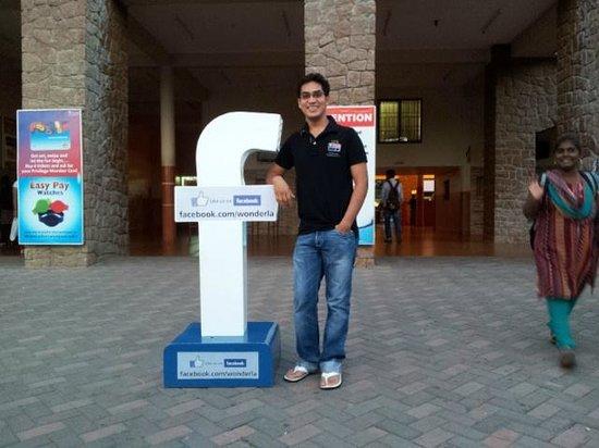 Wonderla Amusement Park: facebook logo at the entrance