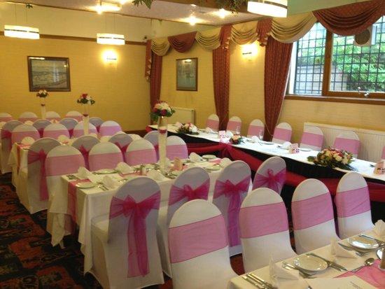 West Park Hotel: park suite wedding meal setting