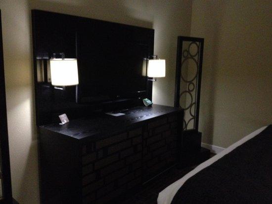 Cypress Bayou Casino Hotel: nice TV.
