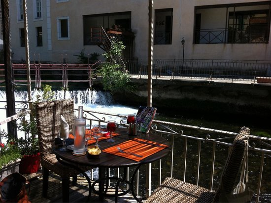 La Vanne Marel: Petite table sympa en terrasse