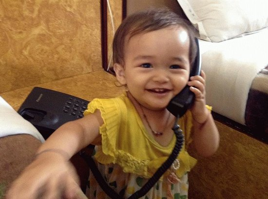 """Hotel Family Home : My baby saying """"hello"""""""