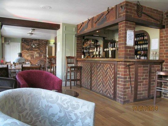 The Ardingly Inn: Bar area