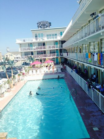 Paradise Oceanfront Resort: Paradise