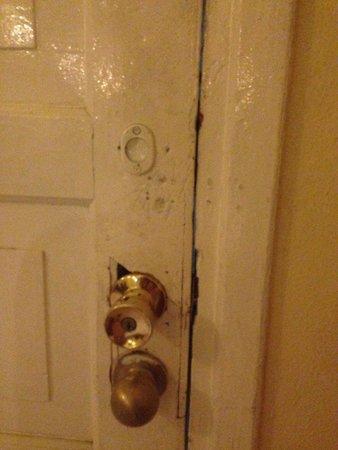 Hotel Inglaterra: Doors