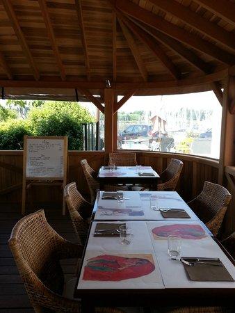 Le Kinawa: Le Pavillon, ambiance chaleureuse