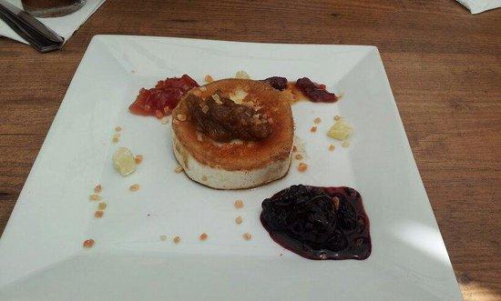 Almiranta tapas-Restaurante : Baked goats cheese with chutneys, excellent