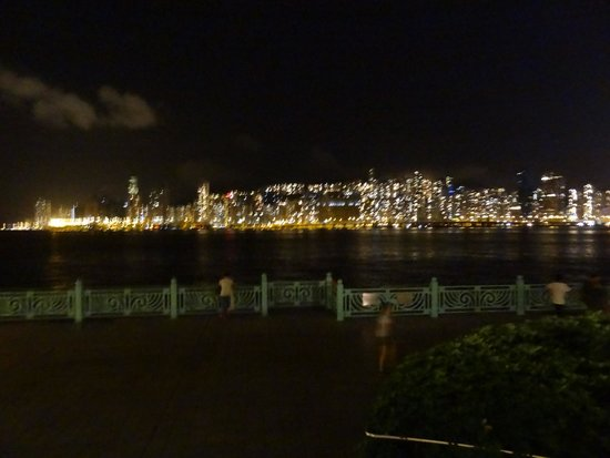 Harbour Grand Kowloon: VIEW OF HARBOUR AT NIGHT