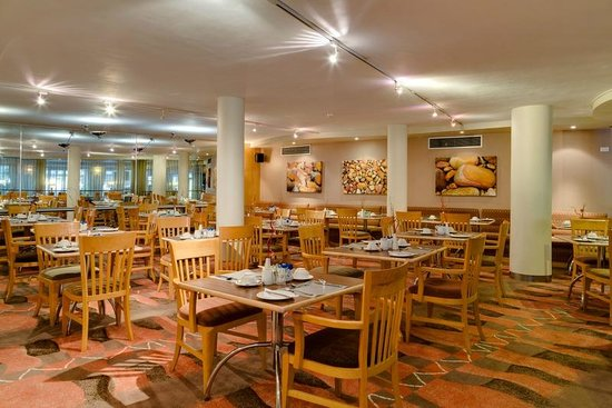 Protea Hotel by Marriott Knysna Quays: Breakfast Restaurant Area