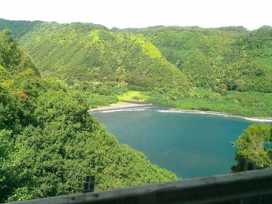 Road to Hana Tours: Bay