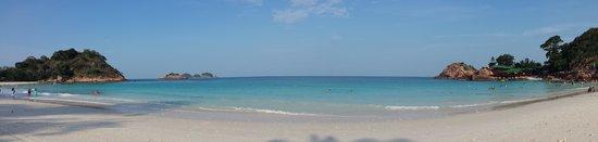 Laguna Redang Island Resort : Panorama of beach