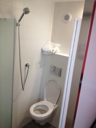 Eklo Hotels Le Havre : Salle de bain