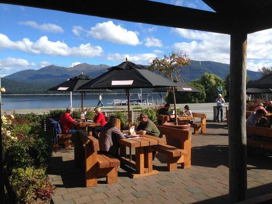 The Moose Bar & Restaurant : Outdoor dining