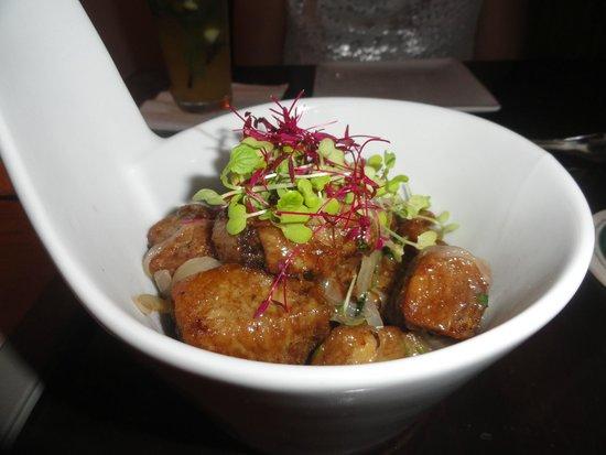 Salt Gastrobar: Fried pork in tamarind sauce