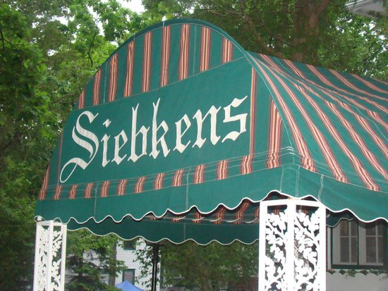 Siebkens Resort: The iconic awning