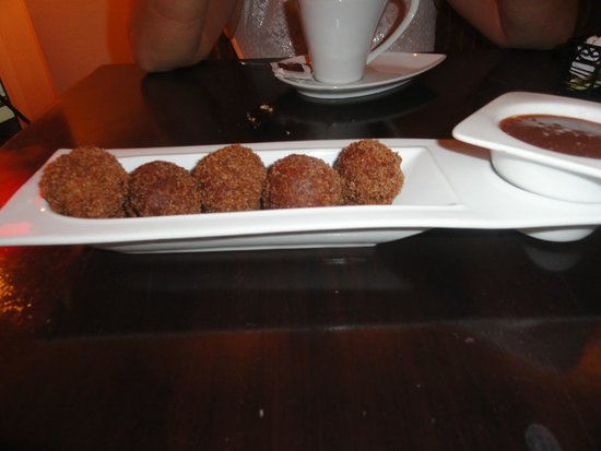 Salt Gastrobar: Pumpkin donuts with chocalate sauce
