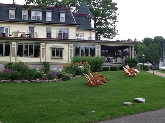 Stafford's Bay View Inn: back view