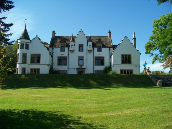 Kincraig Castle Hotel : Front of the hotel