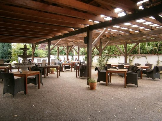 Wincent Hotel: Terrasse couverte
