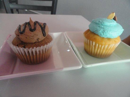 Dulcis Vita Bakery and Coffee Shop: Nutela and almond cupcake