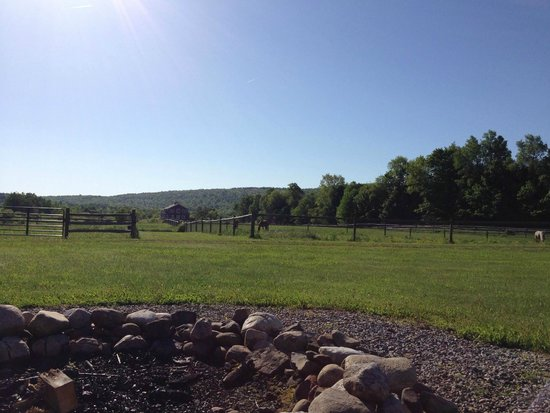 Mountain Horse Farm Bed and Breakfast and Spa: Porch view from the Morgan Horse Suite