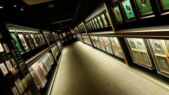 Graceland: Gold records