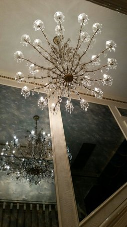 Graceland : Chandelier going up to private floors