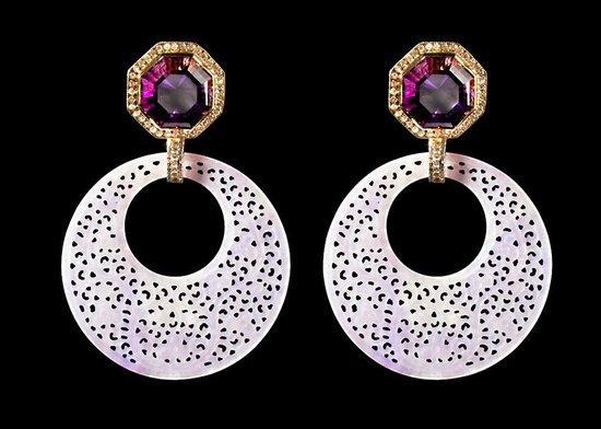 Castor Jewelry : German Carved Lavender Jade, Amethyst & Diamond in 18K