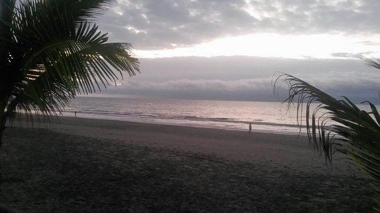 Cabanas Isla del Sol : Playa del hotel....