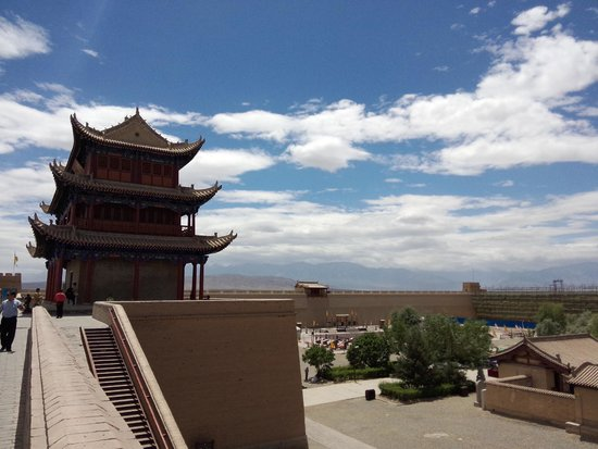 Jiayuguan Fortress: In the summer, the air in Jiayuguan is pretty good!