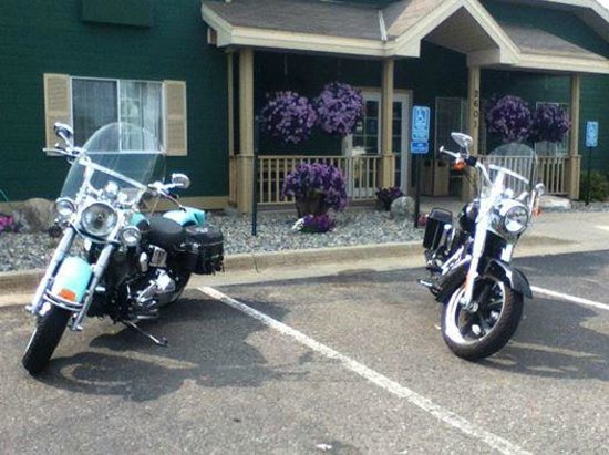 ‪‪Country Inn & Suites by Radisson, Grand Rapids, MN‬: Oh, and very biker friendly too!‬