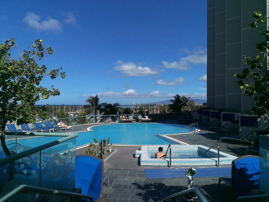 Hawaii Prince Hotel Waikiki: Pool area