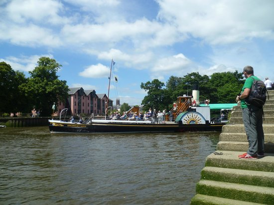 Dartmouth Steam Railway and River Boat Company: Paddle Steamer At Totnes