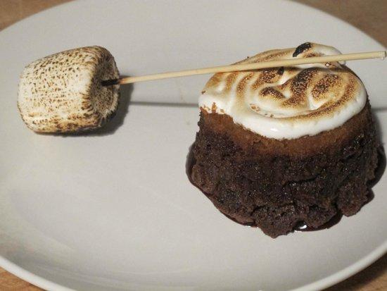 Satis Bistro: Chocolate Cake