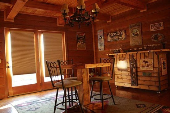 The Great Bear Inn: The perfect place for playing cards