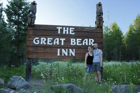 The Great Bear Inn: The entrance