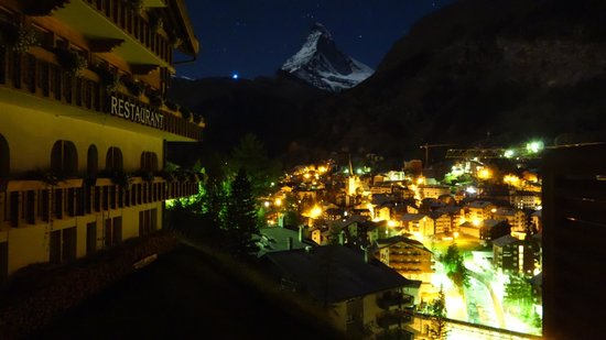 Chalet Hotel Schoenegg: View from our room at 3:00am